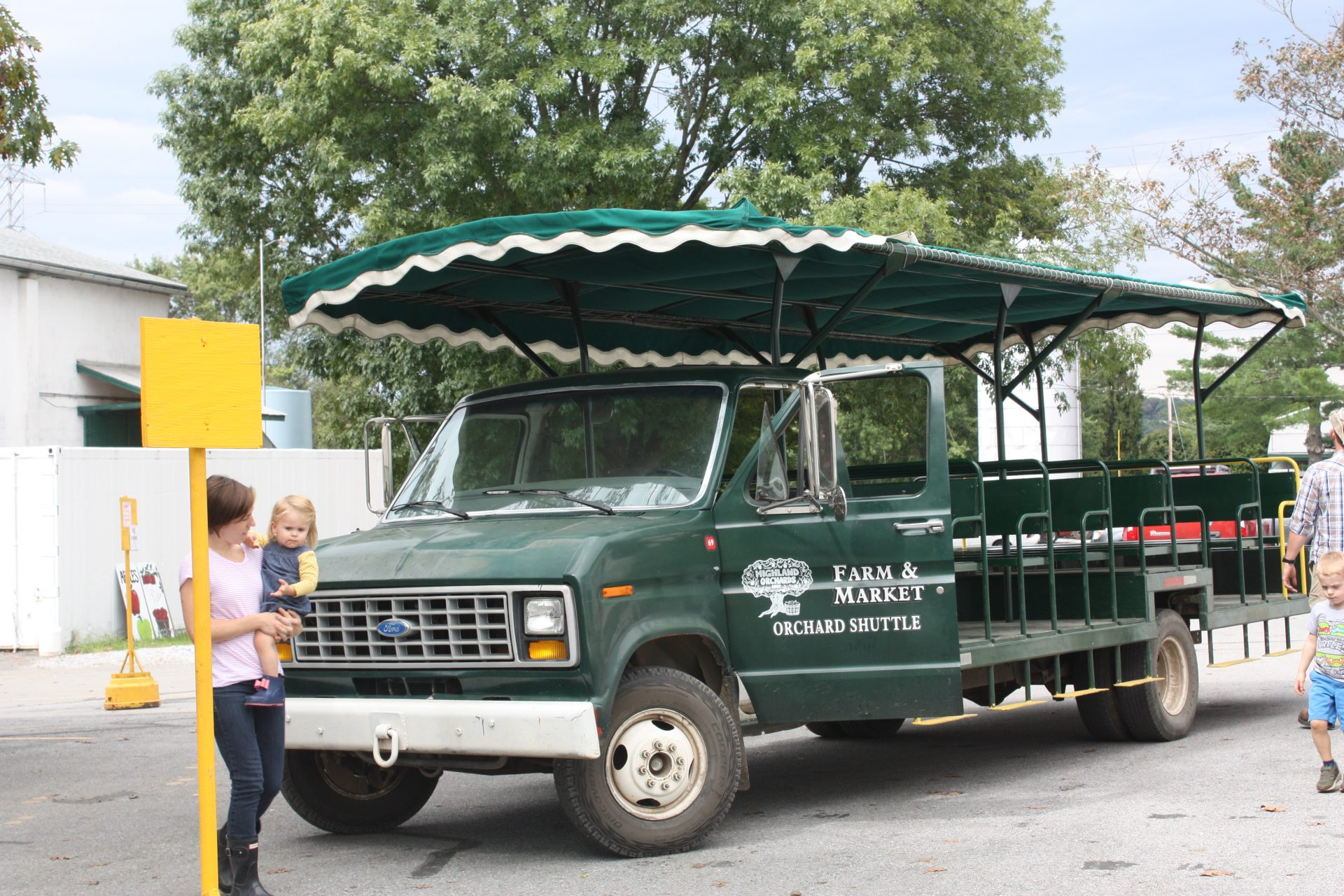 highland_orchards_field_trips_header