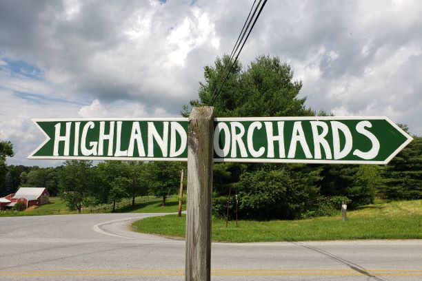highland-roadsign-as-.25